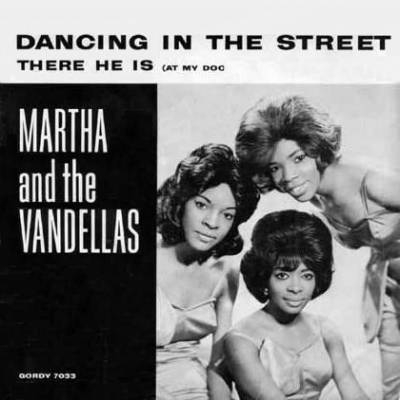 Martha and The Vandellas Dancing in the Street / There He Is (at My Door) Cover Art